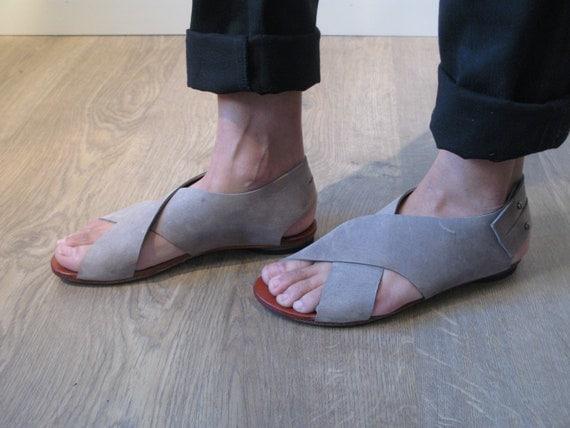 Grey crossed womem sandal