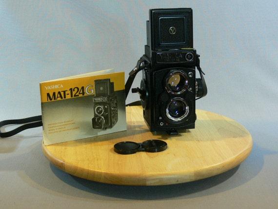 Yashica Mat-124G - 1070s - twin lens reflex -  MG-098