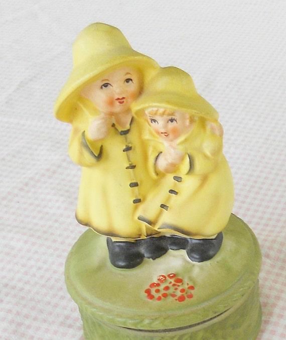 Morton Salt Kids Music Box - Vintage, Farmhouse, Rustic, Figurine, Gift, Collectable, Children, Musical, Ceramic, Rustic