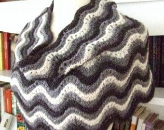 Knitting Pattern-Penelope Cowl, knit cowl pattern, lace cowl pattern, neck warmer pattern, shoulder warmer, DK, chunky, PDF pattern