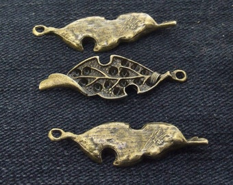 10Beads  Charm Leaf  Twist  Pendant Base bronze  Plated Victorian Pendants Beads ----- 12mmx38mm ----- 10Pieces 2E