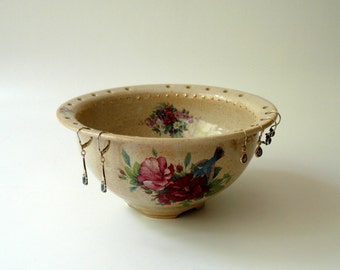 Pottery, Ceramic Jewelry Bowl in Beige with Pink Flowers, Hummingbird and Gold Sparks, Jewelry Organizer by Cecilia Lind