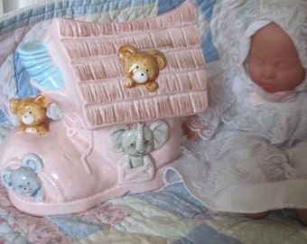 Imarco1985 Talk to The Animals Music Box Shoe Baby Planter