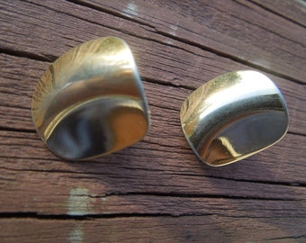 Vintage Clip Earrings, Gold Tone, Unusual Shape, Nice Condition