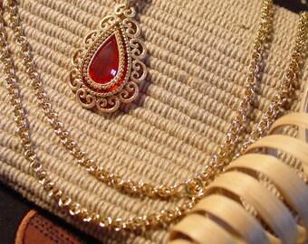 Avon red Granada pendant necklace 1973 red stone pendant  gold tone chain convertible
