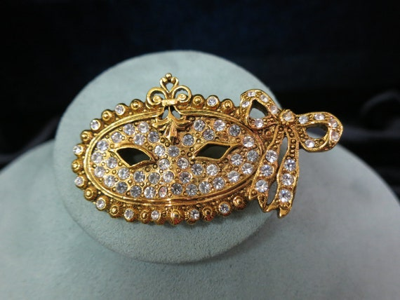 1928 co Jewelry Rhinestone Mask Pin