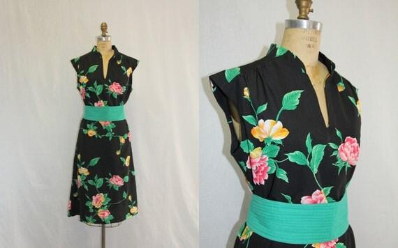 Large Vintage Dress Hilo Hattie Hawaiian Fashion