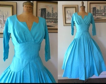 COUTURE Shimmering 1950's 50's NEW LOOK Turquoise Sharkskin Taffeta Shelf Petal Bust Party Cocktail Dress w Crinoline Sz Sm / Md