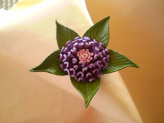 Leather flower Lea.