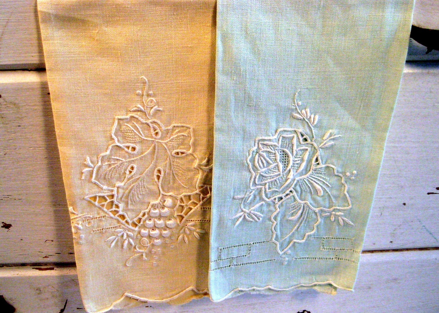 Vintage Linen Hand Towels Embroidered Cottage Chic Country