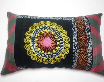Buglem /  Embroidered Suzani Velvet and silk-cotton Pillow Cover - 13,60x21,20 inch
