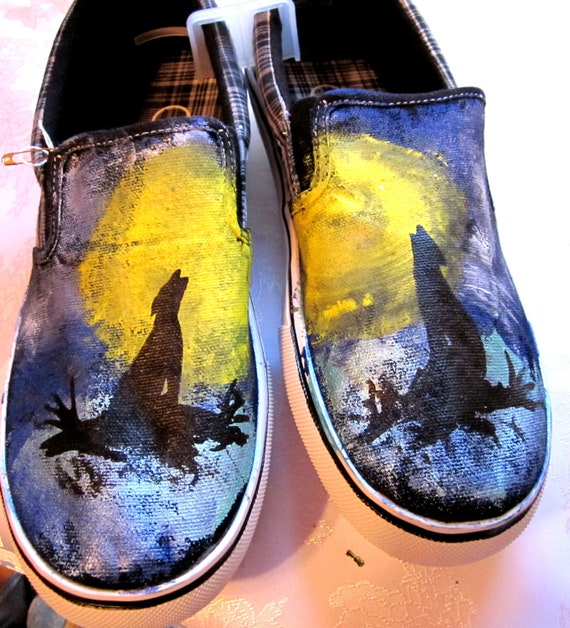Custom painted mens slip ons howling wolf mens 9 and a half ON SALE