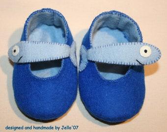 Jello'07 felt baby shoes  Fish