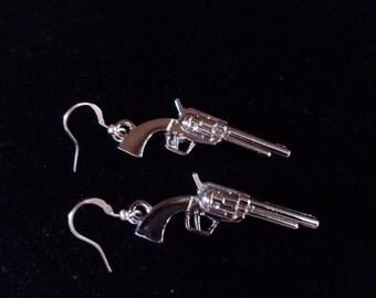 Cool 6 shooter Pistol Earrings