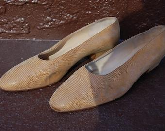 Super-Soft Suede Kitten Heels by Silvia Fiorentina (size 9)