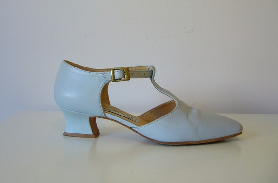 Vintage LAURA ASHLEY T STRAP Leather Shoes in Dove Grey Size 7