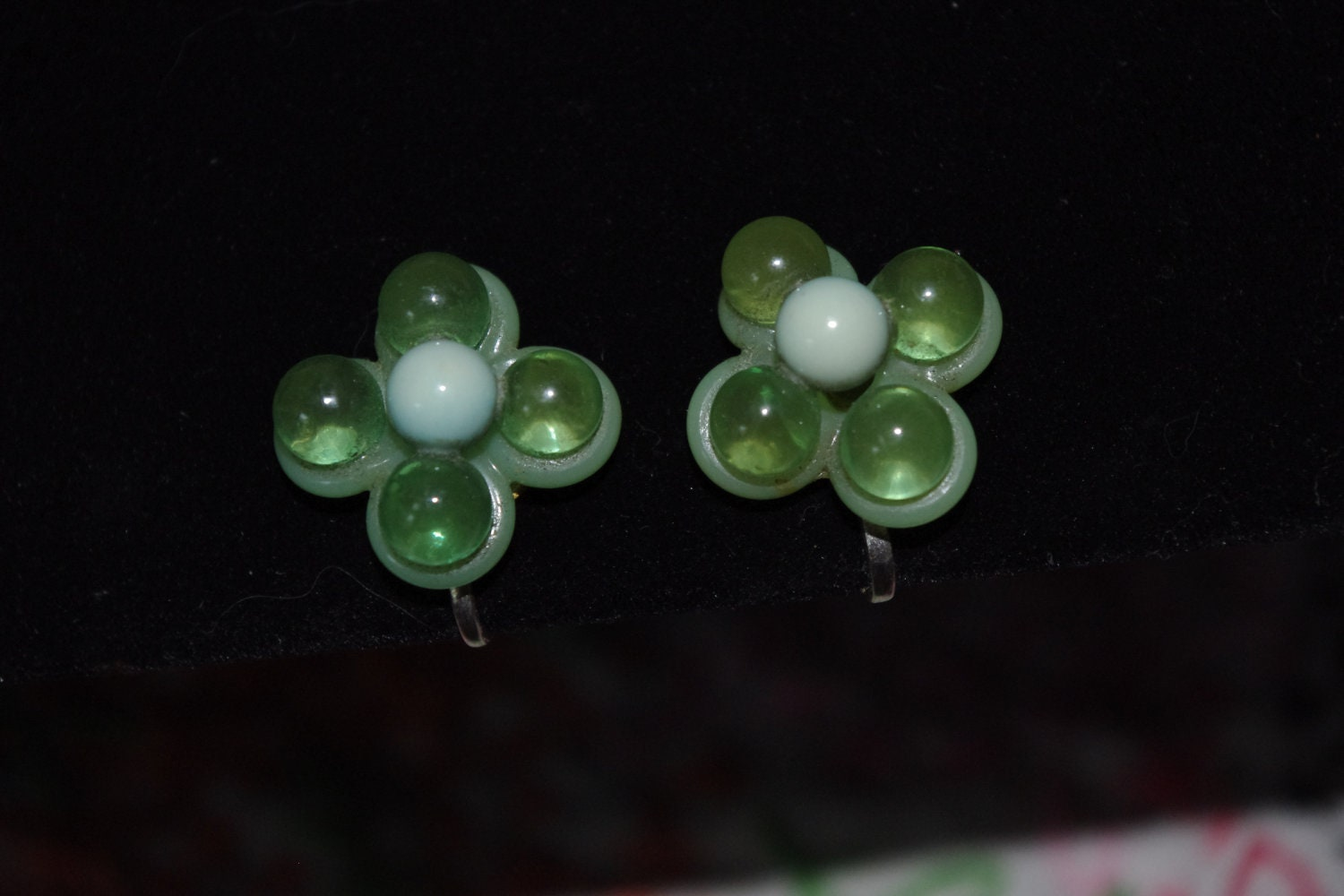 Vintage Earrings Plastic Flowers Shades of Green Screw Back