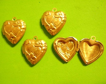 4 Highly Detailed 20mm Vintage Brass Heart Lockets with Heart and Flower Design