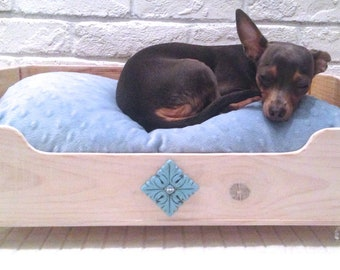 Sale! - Wine Crate - Dog or Cat Bed - Comes with a pillow and a Baby Blue minky fabric pillow sham with zipper