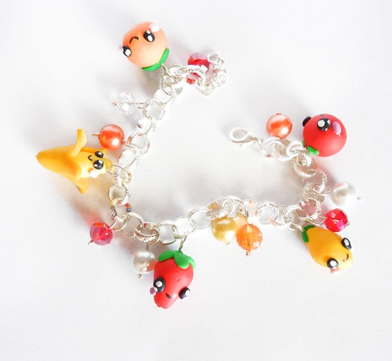 Kawaii clay fruits bracelet, with apple, strawberry, lemon, orange and banana with lovely faces, handmade in fimo/polymer clay
