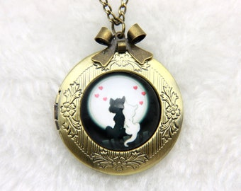 Necklace locket two cats in love