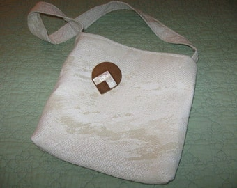 Cream Heavy Tapastry Purse With Detachable Pin