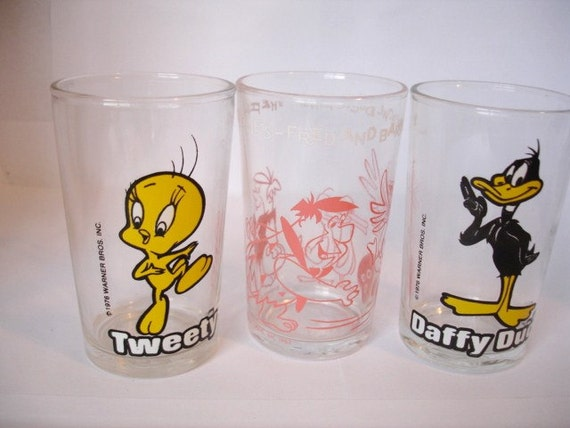 Set of 3 small Vintage 1970's Collector Glasses