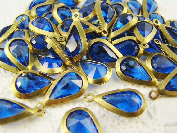 Vintage Sapphire Blue Faceted Teardrop Acrylic Stone in Brass Channel Drop Setting 1 loop (6)