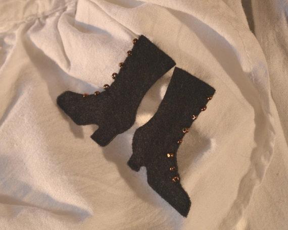 Black felt brooch pair - 'Mary's Boots' - Victorian inspired badge/pin/brooch
