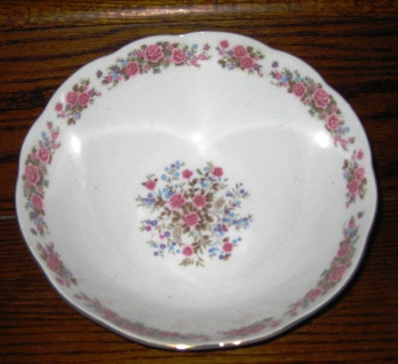 Remington by Red Sea SERVING bowl 8 5/8 inches MINT