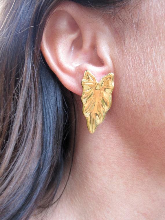 Vintage 80s Gold Leaf Earrings