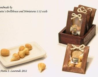 Dollhouse Miniature Flower Bulb Bags - Brown Paper -  4 pieces - 1:12 Scale garden item (GF28)