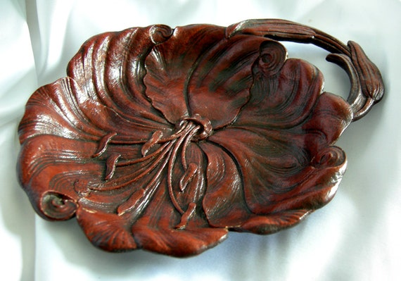 2 Syroco Wood Floral Leaf Motif Candy Nut Dishes Trays with Handles - Hallmark SYROCO WOOD Syracuse Ornamental Co - Vintage 1930 - 1970