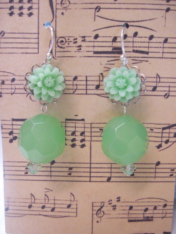 Sterling Silver Mint Green Cabochon Earrings, Green Daisy Cabochon Earrings, Birthday Gift Earrings, Back to School Gift