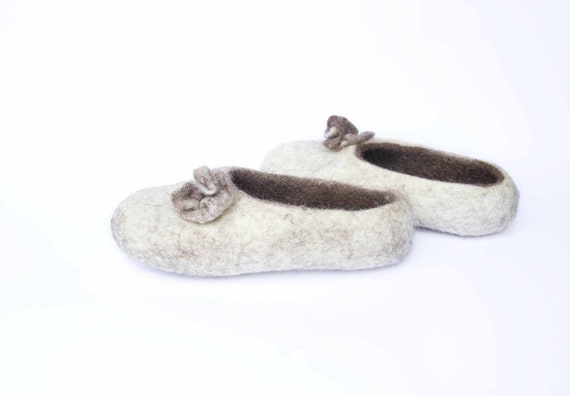 Felted wool slippers white brown