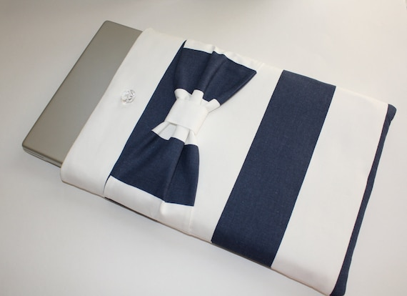 Sample SALE - MacBook Pro 15 Inch Case - Navy & White Stripe with Bow - Double Padded