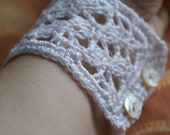 White Linen Crocheted Bacelet Lace with mother of pearl buttons/ Wedding Bridal Bracelet- READY TO SHIP