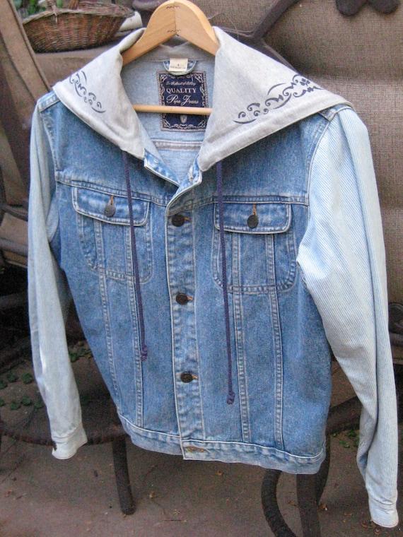 FLASH SALE Vintage Light Color Denim Jacket Hoodie Size