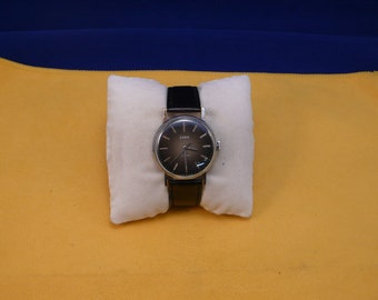 "Ussr (Soviet Union)  ""ZARJA"" 17 jewels mans  wrist watch 1970  very rare black dial VERY VERY good condition"
