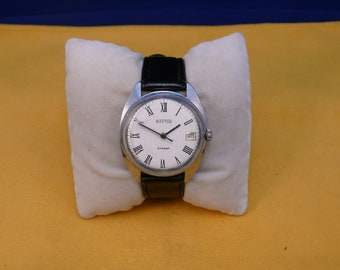 "USSR (Soviet Union)   ""WOSTOK""  2214 special limited edition  wrist watch 1960-70  Rare Very Good"