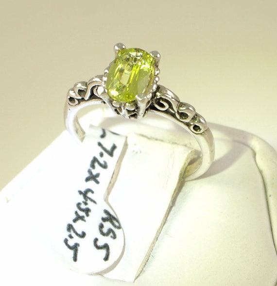 Chrysoberyl Ring, 0.76 carat, Sterling Silver 'New' Vintage, Ring size 5
