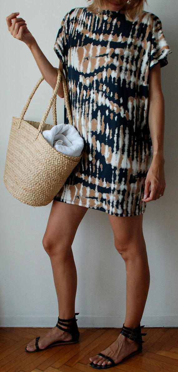 Black, beige, white. T-shirt dress tunic in jersey tie dye / tribal print. Beach boho cover up or sun dress. One size fits many