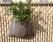 Vertically-Linked Garden Planter