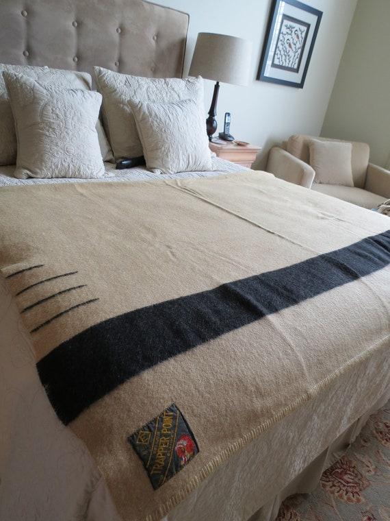 Stunning Vintage Genuine Wool 50s Tapper Blanket