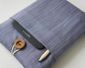 Eco-Friendly 15 '' Macbook Pro - Laptop Sleeve and  Handmade Wood Button will be different