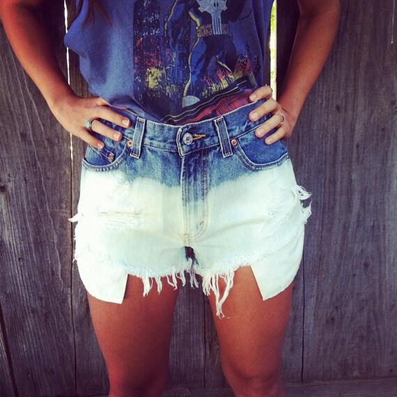 Vintage High waisted Levis Ombre deim shorts