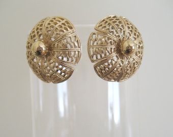 Vintage Filigree Clip On Earrings - Gold Clip On Earrings - Vintage 1960s Earrings