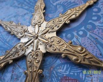 1 Huge Vintage Brass Ornate Snowflake Stamping     ...    C - 1