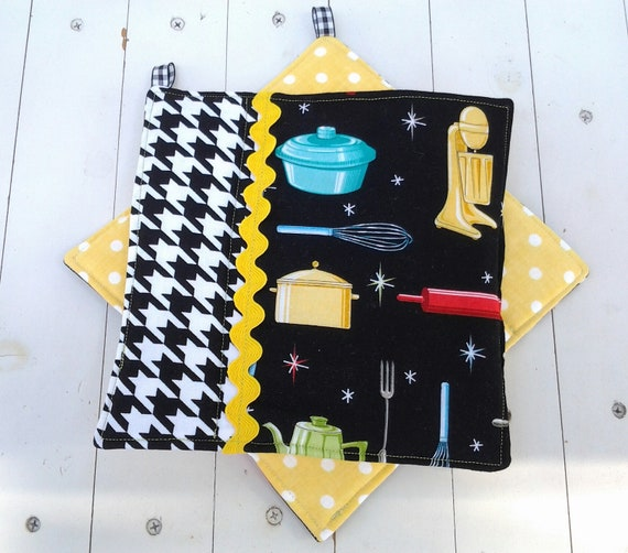 Quilted potholders in vintage kitchen appliances and for Quilted kitchen set
