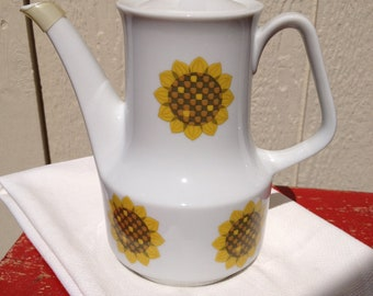 Simple Modern Vintage Sunflower Teapot